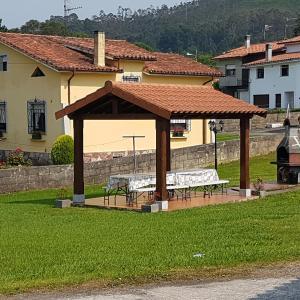 Hotel Pictures: Casa de Aldea 'La Llosa', Villahormes