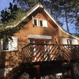 Hotel Pictures: Jolie Maison avec vue sur le Lac, Lacanau