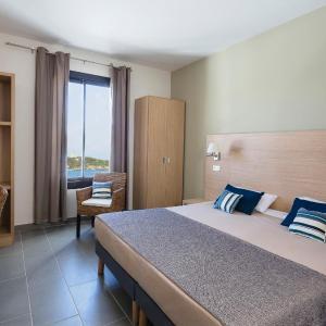 Hotel Pictures: Apartment Résidence Ile des Embiez.4, Le Brusc