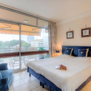 Hotel Pictures: Apartment Heliotel Marine.1, Cros-de-Cagnes