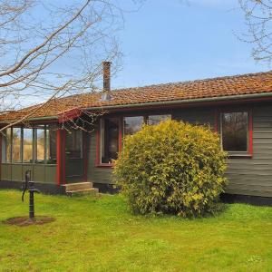 Hotel Pictures: Two-Bedroom Holiday Home in Mern, Mern