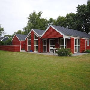 Hotel Pictures: Farsø, Hvalpsund