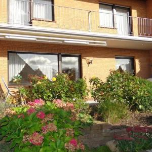 Hotelbilleder: Doppelhaushaelfte-in-Carolinensiel-fuer-6-7-Personen-50199, Carolinensiel