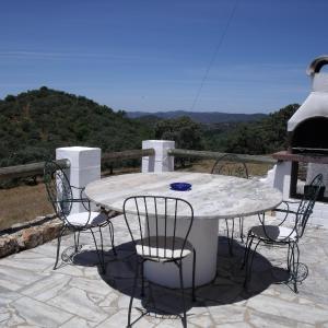 Hotel Pictures: Finca El Manzano, Cortegana