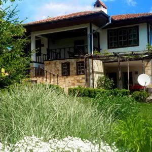 Hotel Pictures: Villa Smokinya, General-Kantardzhievo