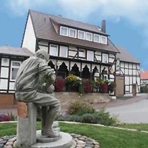 Hotelbilleder: Gast- und Pensionhaus Zur Linde, Nienhagen