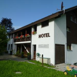 Hotel Pictures: Hotel Bahnhof, Giswil