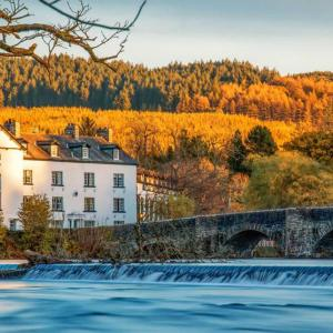 Hotel Pictures: The Swan Hotel and Spa, Newby Bridge