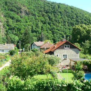 Hotel Pictures: Romantický pokoj vila Černošice, Černošice