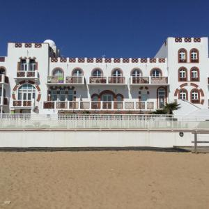 Hotel Pictures: Appartement 3 chambres en bord de mer - Résidence de l'Océan, La Tranche-sur-Mer