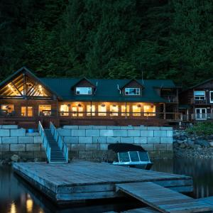 Hotel Pictures: Homfray Lodge, Desolation Sound