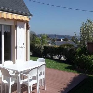 Hotel Pictures: House Maison de plain pied avec jardin clos, Camaret-sur-Mer