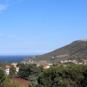 Hotel Pictures: House Maison de charme pour 8 personnes avec garage et terrasse, Port-Vendres