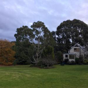 Hotel Pictures: Brigadoon Cottages, Haunted Hills