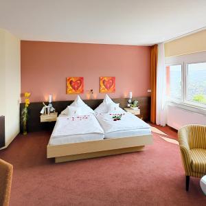 Hotel Pictures: Phönix Hotel, Bergneustadt