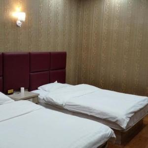 Foto Hotel: Yijia Express Inn Taiyuan Wusu Airport Branch, Taiyuan