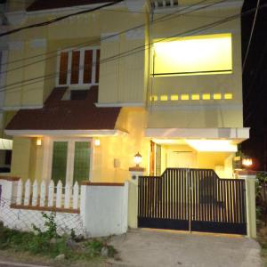 Fotos do Hotel: Remisha Service Apartments (Duplex Family Apartment), Chennai