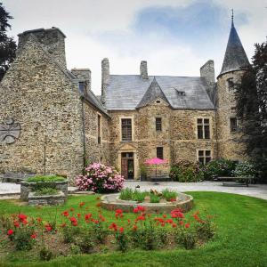 Hotel Pictures: Chambres Château D'agneaux, Agneaux