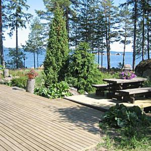 Hotel Pictures: Holiday Home Mansikkaniemi, Stensnäs