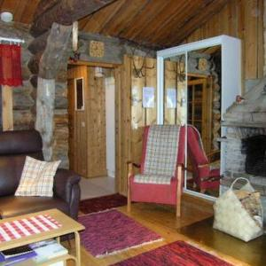Hotel Pictures: Holiday Home Hopukka a2, Luosto
