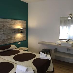Hotel Pictures: RoomConcept Hostel, Santo Domingo de la Calzada