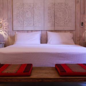 Hotel Pictures: Maharaja Tent, Casares