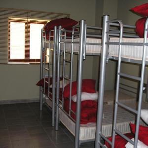 Hotel Pictures: Refugi La Serra, Cap de Barranch