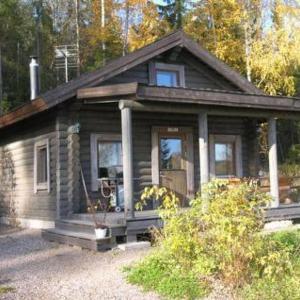 Hotel Pictures: Holiday Home Ukko, leppäniemen hirsihuvilat, Hauho