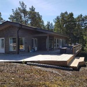 Hotel Pictures: Holiday Home Västantill, Hitis