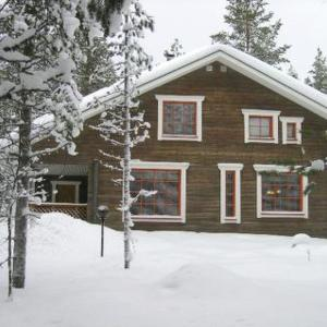 Hotel Pictures: Holiday Home Einola, Luosto