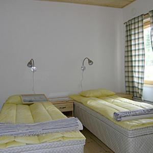 Hotel Pictures: Holiday Home Punasotka 2, Strandby