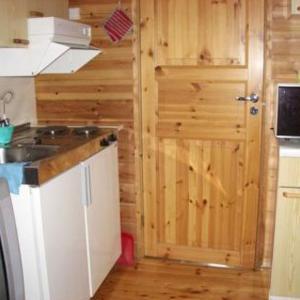 Hotel Pictures: Holiday Home Inarin poropirtit / kopara, Inari