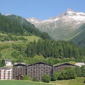 Hotel Pictures: Apart Holidays - Haus Acletta, Disentis