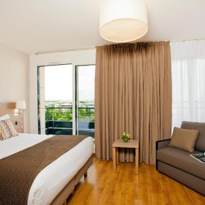 Hotel Pictures: Residhome Bois Colombes Monceau, Bois-Colombes