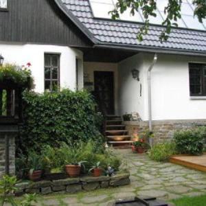 Hotel Pictures: Ferienhaus-Landmann, Tannenberg