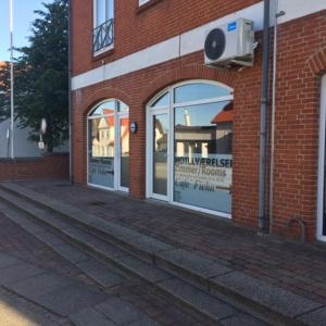 Hotel Pictures: Cafe Fiehn, Sindal