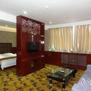 Hotel Pictures: Super 8 Hulu Island Train Station Square, Huludao