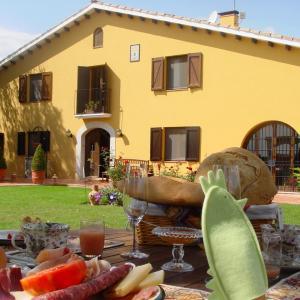 Hotel Pictures: Hotel Rural Cal Ruget, Vilobi Del Penedes