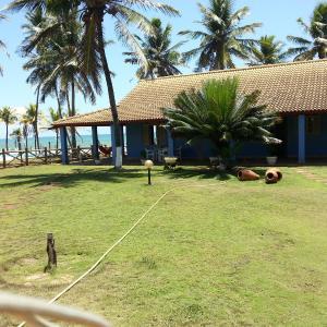 Hotel Pictures: Casa Azul Beach House - Busca Vida, Camaçari