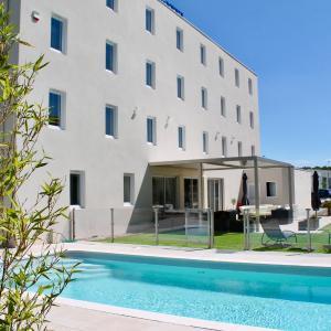 Hotel Pictures: Comfort Hotel Martigues Saint-Mitre, Saint-Mitre-les-Remparts
