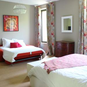 Hotel Pictures: Domaine du Prieuré d'Estagel, Saint-Gilles