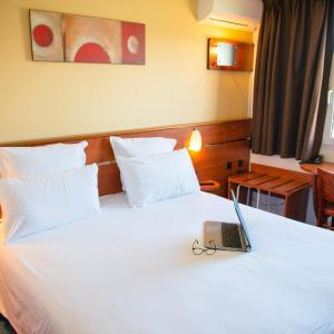 Hotel Pictures: Brit Hotel Blois - Le Préma, Blois