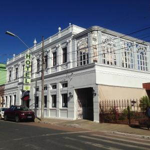 Hotel Pictures: Central Palace Hotel, Castro