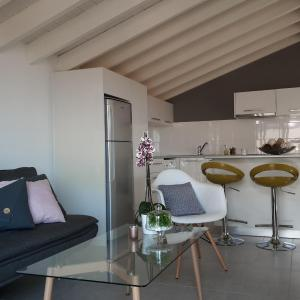 Hotel Pictures: Studio flat with seaview, Limassol