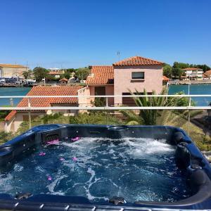 Hotel Pictures: Villa L'Amiraute, Agde