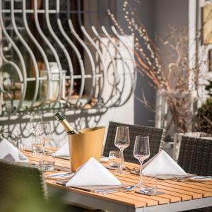 Hotel Pictures: Hotel & Restaurant Rose, Bietigheim-Bissingen