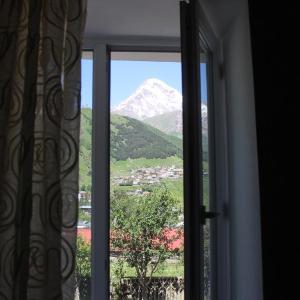 Hotellikuvia: Inga Guest House, Kazbegi