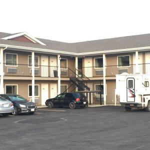 Hotel Pictures: Voyageur Motel, Rocky Mountain House