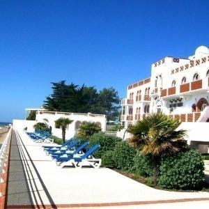 Hotel Pictures: Apartment Appartement t2 vue mer, dans résidence de vacances avec piscine, La Tranche-sur-Mer