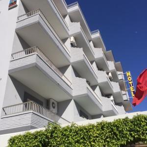 Hotel Pictures: Hotel Sacratif, Torrenueva